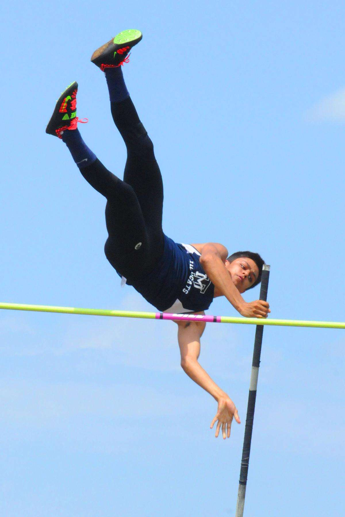 NWF Alumni pole vaulter clears the bar for NCAA championships